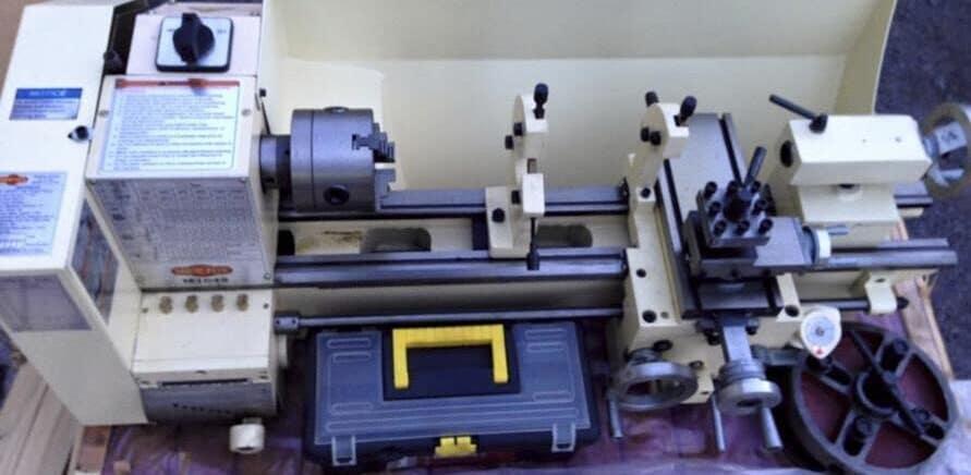 Shop Fox m1049 metal lathe