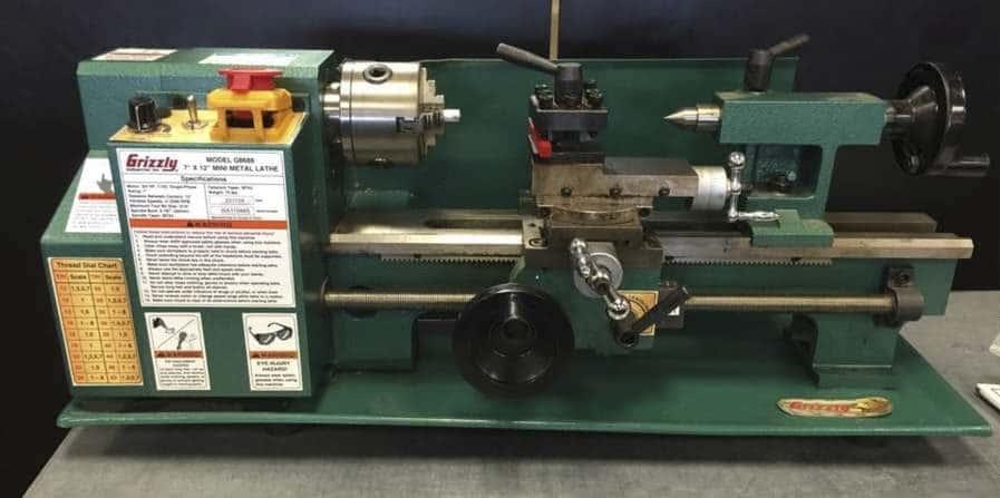 Grizzly G8688 lathe machine